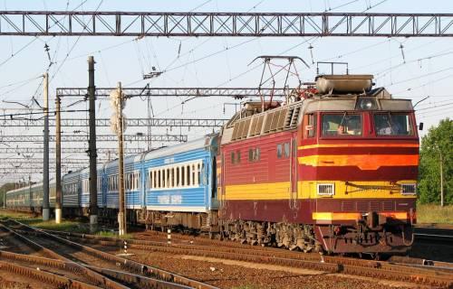 Электровоз ЧС4Т-571 на станции Терещенская.